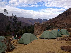 Lares Campamento